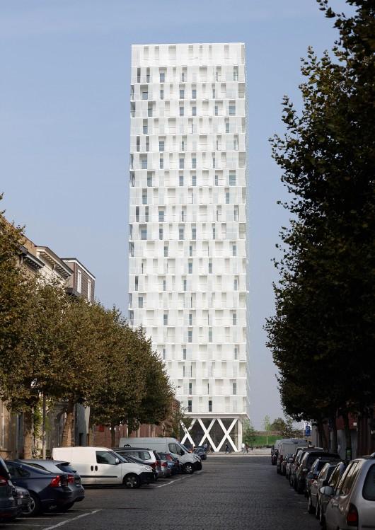 54654f95e58eceb71f0001b0_park-tower-studio-farris-architects_portada_studio_farris_architects_eld_partnership_-_park_tower_-_01-530x749