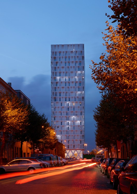 546550a4e58ece12690001cb_park-tower-studio-farris-architects_studio_farris_architects_eld_partnership_-_park_tower_-_08-530x749