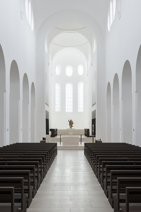 dezeen_St-Moritz-Church-by-John-Pawson_1p