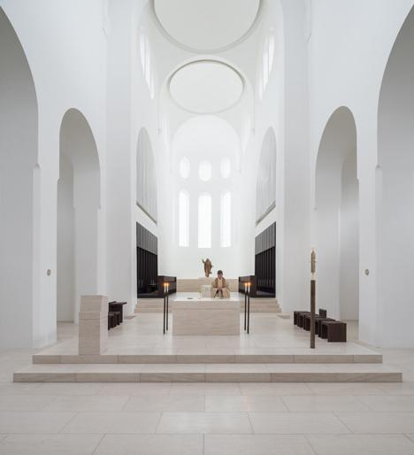 dezeen_St-Moritz-Church-by-John-Pawson_7p