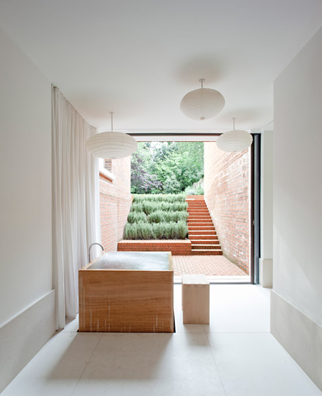Refurbishment-and-Extension-of-Grade-ll-Victorian-House-in-London-by-SevilPeach_dezeen_468_4