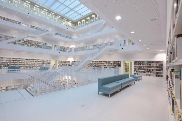 biblioteca civica di stoccarda2