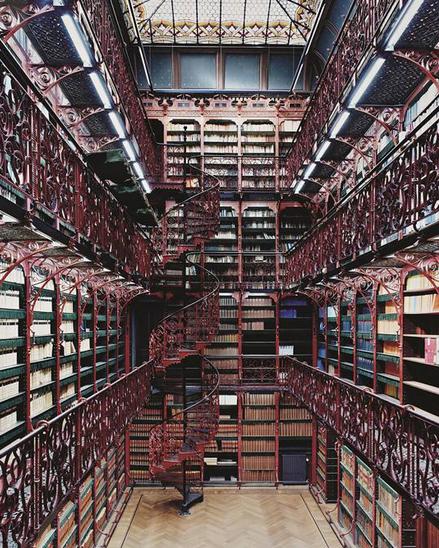 Handelingenkamer- biblioteca dellaTweede Kamer - la camera bassa del Parlamento olandese all'Aia