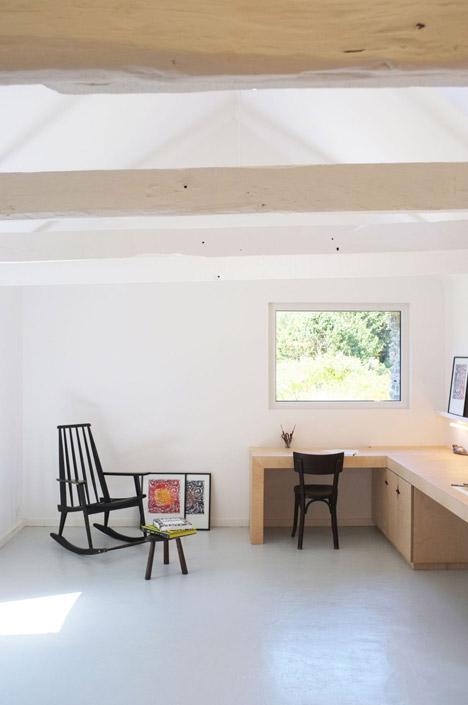 Old-barn-convertion-artist-studio-Brittany-Modal-Architecture_dezeen_468_3