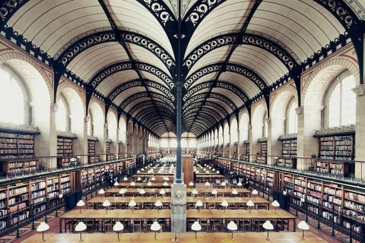 Parigi la biblioteca Sainte-Geneviève