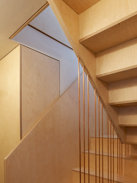 Split-Level-Apartment-Snaresbrook-by-Carl-Trenfield-Architects_dezeen_468_1