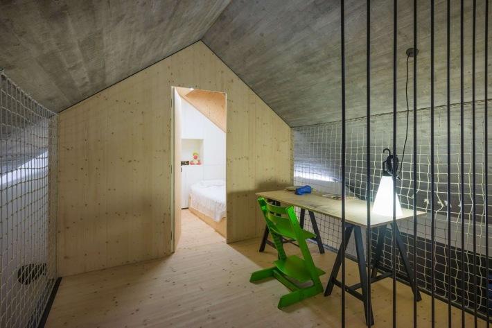 Dekleva Gregoric Arhitekti . compact karst house . Vrhovlje (14)