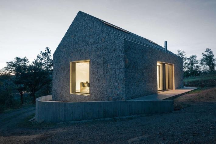 Dekleva Gregoric Arhitekti . compact karst house . Vrhovlje (4)