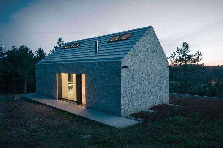 Dekleva Gregoric Arhitekti . compact karst house . Vrhovlje (5)