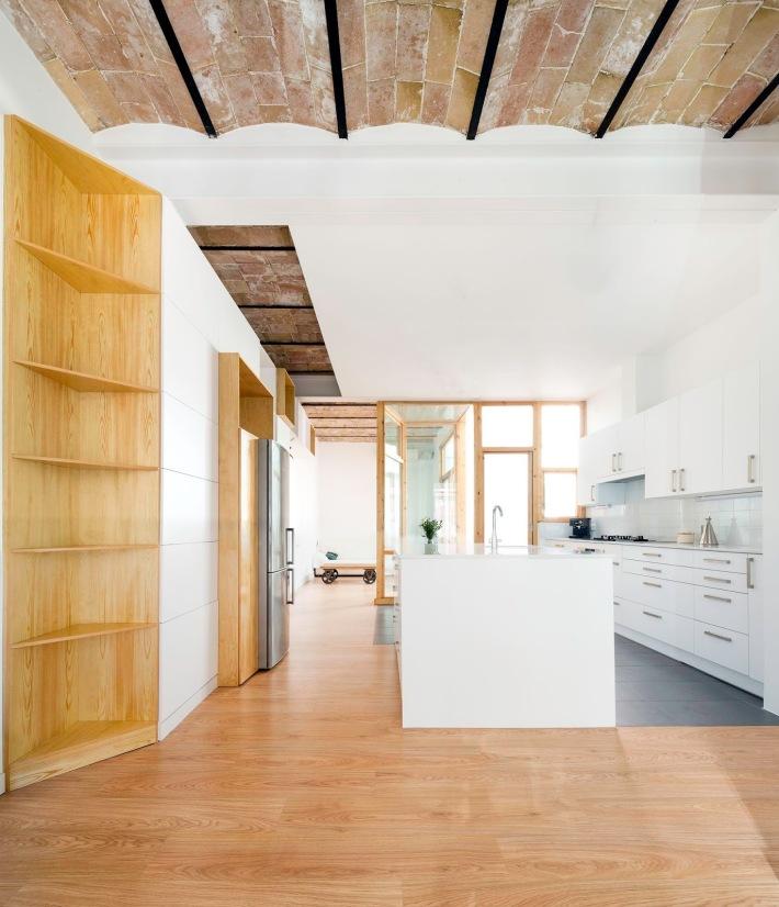 CAVAA . Vivienda y patio en el Poblenou . Barcelona (8)