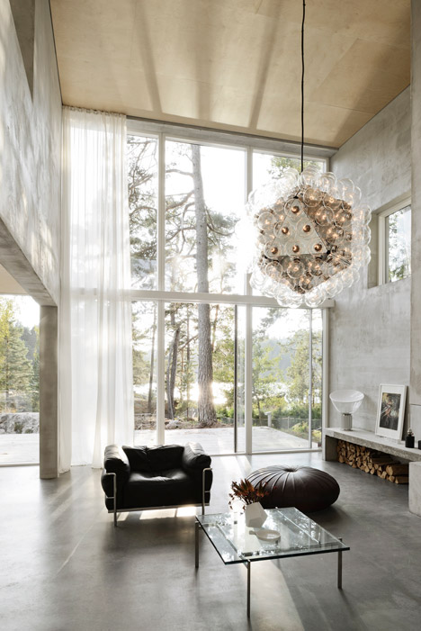 Six-Walls-House-by-Johan-Arrhov_dezeen_468_3