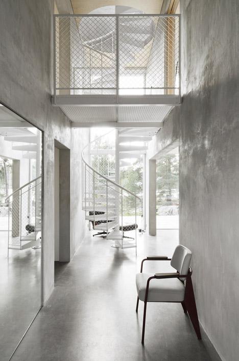 Six-Walls-House-by-Johan-Arrhov_dezeen_468_4