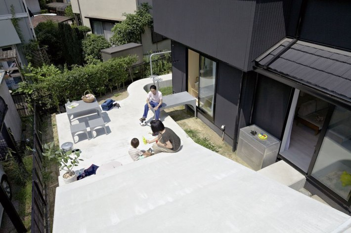 A-Japanese-Home-and-Garden-Renovation-idea+sgn-Ikoma-city-by-Spacespace