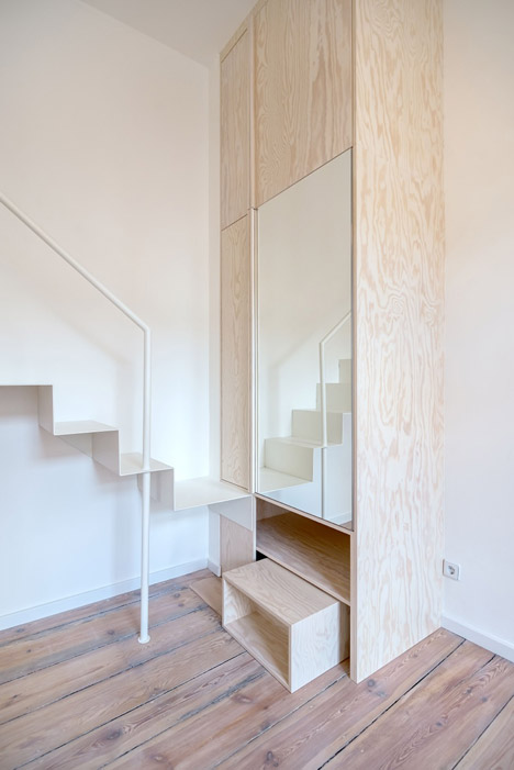 Micro-Apartment-in-Berlin-by-Spamroom-and-Johnpaulcoss_dezeen_468_10