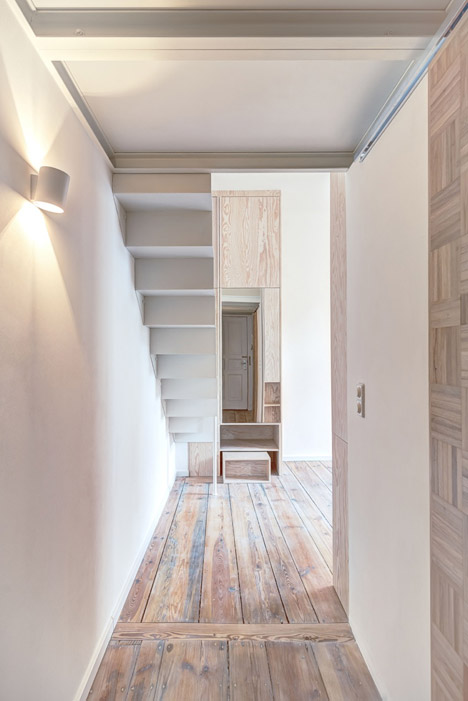 Micro-Apartment-in-Berlin-by-Spamroom-and-Johnpaulcoss_dezeen_468_5