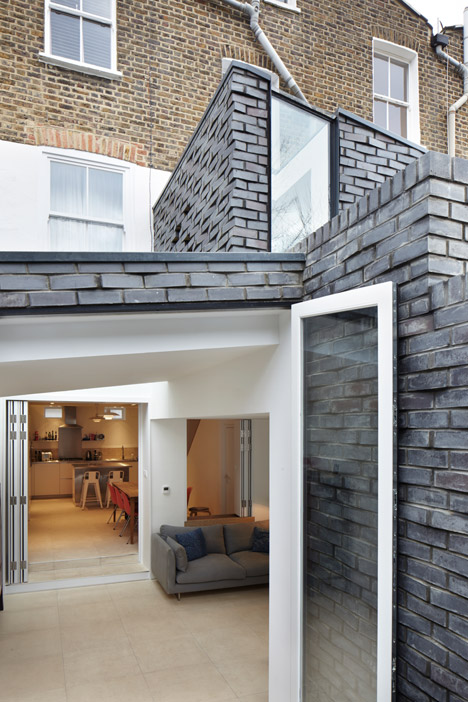 The-Brick-House-by-Fraher-Architects_dezeen_468_11