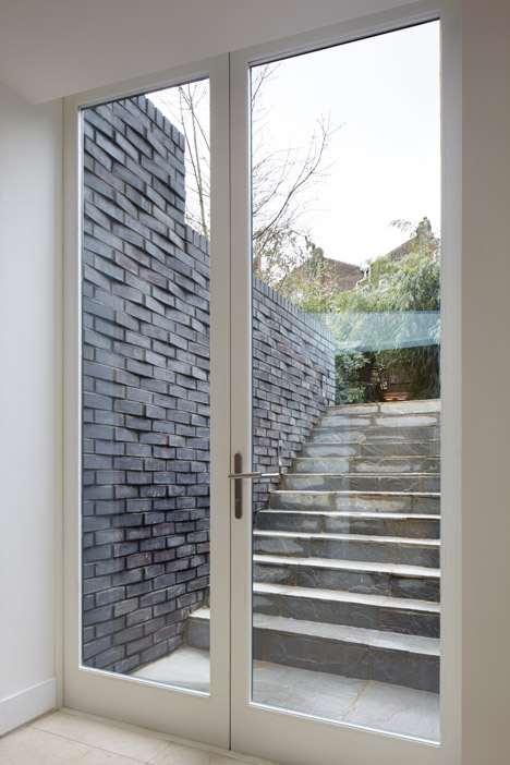 The-Brick-House-by-Fraher-Architects_dezeen_468_5