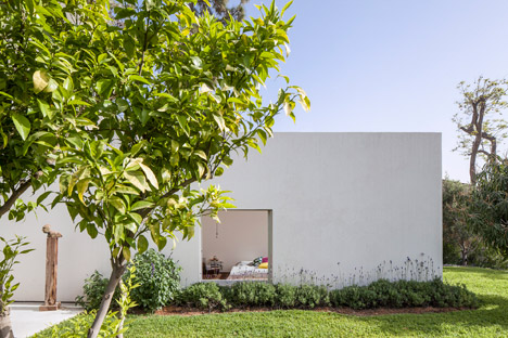 T-A-House-by-Paritzki-and-Liani-Architects_dezeen_468_0