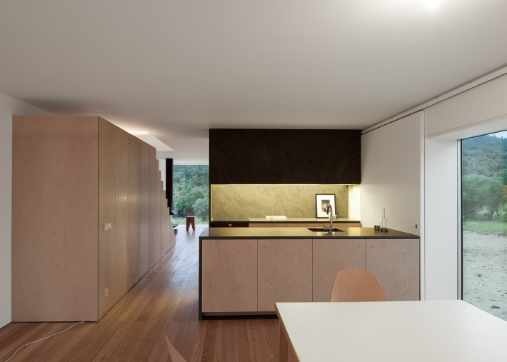 House-in-Fonte-Boa_Joao-Mendes-Ribeiro_Portugal_architec_010